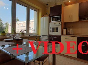 VIP VIDEO.Byt 2+1, 55 m2, tehlový, komplet prerobený, neďaleko OC Európa - Zvolen - Centrum