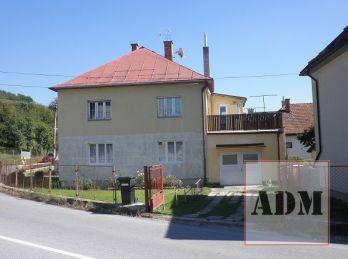 3-izbový byt s garážou, terasou, balkónom a pozemkami