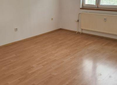 Ponúkame Vám na predaj 1 izbový byt Bratislava-Ružinov, Jašíkova ul. 36 m2