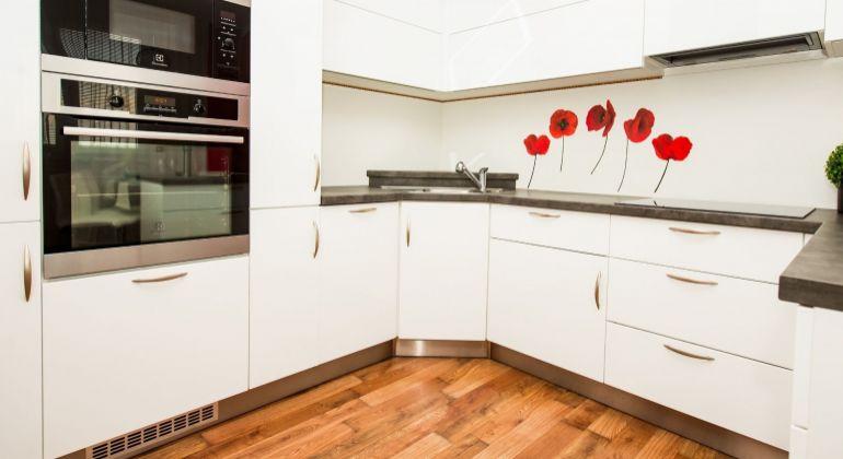 Na predaj krásny moderný zariadený 2 izbový byt v novostavbe na Gagarinovej ulici