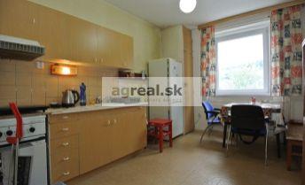 REZERVOVANÉ!!! Predaj,  3-izb.byt (68,88 m2 + 5,69 m2 loggia ) v pôvodnom stave vo výbornej lokalite blízko lesa, ul. Rozvodná, Bratislava III – Kramáre
