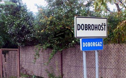 Rezervácia Slnečný pozemok v zastavanej a tichej lokalite obce Dobrohošť
