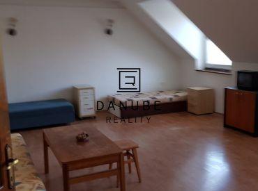 Prenájom veľký 4-izbový byt v rodinnom dome, Bratislava-Podunajské Biskupice, Korytnická ulica.