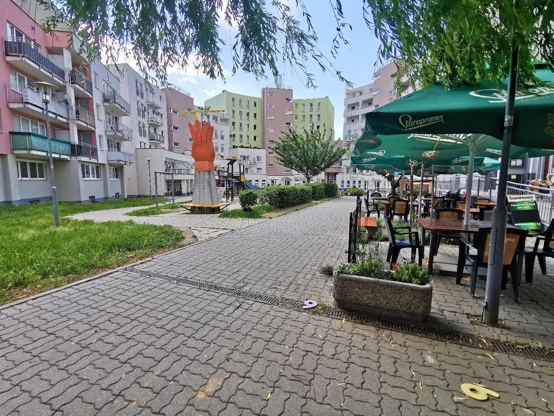 Obchodný priestor na predaj, Bratislava - Karlova Ves, 96 m2