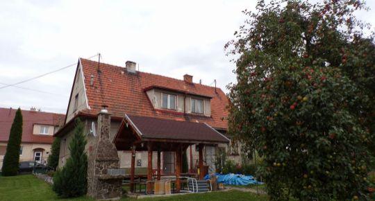 Na predaj 3 izbový rodinný dom 631 m2 Handlová 70119