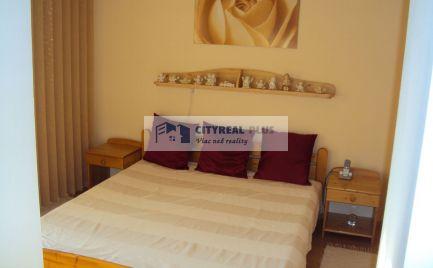 Ponúkame Vám na predaj čiastočne zariadený, kompletne prerobený  3 izbový byt v meste Štúrovo