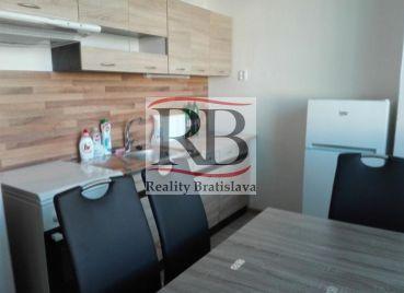 3-izbový zrekonštruovaný byt na Gwerkovej ulici v Petržalke