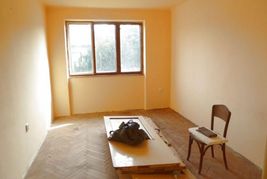 Predaj 2 izbový byt Pinciná