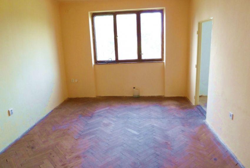 Predaj 2 izbový byt Pinciná-1