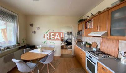 Realfinn- predaj 4 izbový byt s balkónom Nové Zámky voľný od 1.3.2021