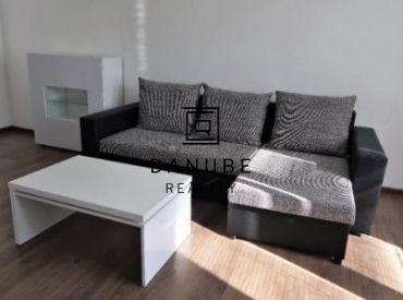 Prenájom 2-izbový byt s balkónom v Bratislave-Novom meste na Sibírskej ulici.