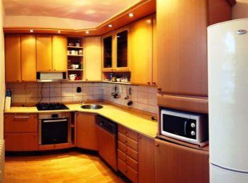 BA II. Ružinov - 4 izbový byt na Uránovej ulici