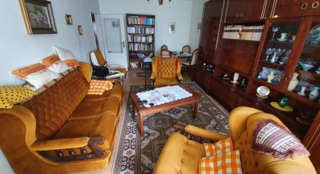 Štúrovo veľký 2-izbový byt s krásnym výhľadom a loggiou.