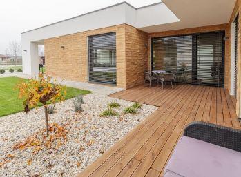 Predaj luxusnej rodinnej vily na 17,94 á upravenom pozemku, pre náročnejšieho klienta, Jahodná