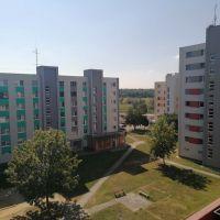 Garsónka, Šahy, 87 m², Čiastočná rekonštrukcia
