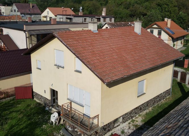 Rodinný dom - Liešťany - Fotografia 1