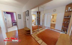 Na predaj 3-izbový byt na ul. Jána Halašu v Trenčíne, sídlisko Juh o rozlohe 70 m2.