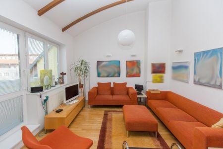 IMPEREAL - predaj 5 izbový  mezonetový byt s dvojgarážovým miestom, Šustekova ul., Bratislava V. Petržalka
