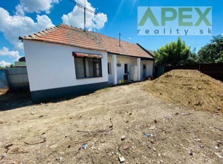 Exkluzívne iba u nás APEX reality RD v tichej časti Maduníc, pozemok 345 m2