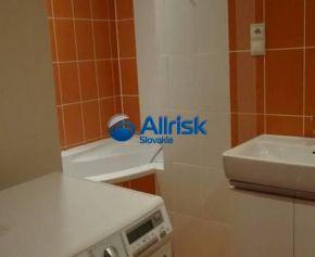 Priestranný 3-izbový byt 83m2 s balkónom v Pezinku - možný aj prenájom