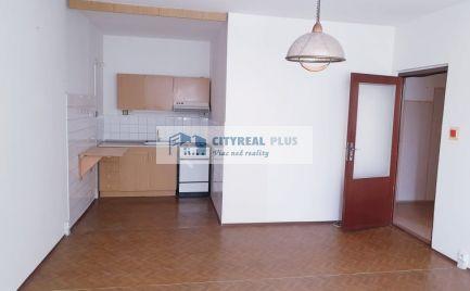 CENA AKO ZA 1 IZBOVÝ BYT!!!!Predáme menší 2 izbový byt s klimatizáciou na sídlisku JUH Nové Zámky