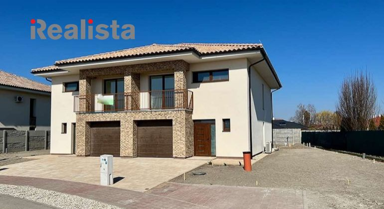 Dvojpodlažný, 4-izbový rodinný dom s garážou na kľúč - Dunajská Streda