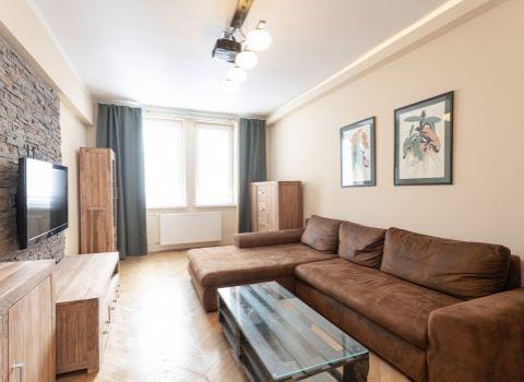 Na prenájom tichý 3 izbový byt v starom meste v blízkosti Slovenského rozhlasu a Úradu vlády
