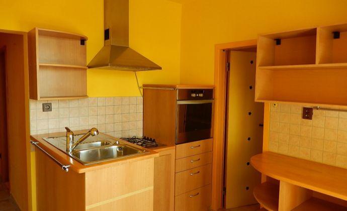 PRENÁJOM - 3-izbový byt - MARTIN - ĽADOVEŇ