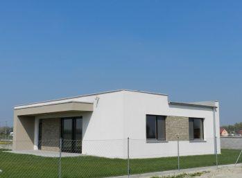 Predaj 3 izb. nízkoenergetický bungalov na kľúč, pozemok 4,84á, Dolný Bar