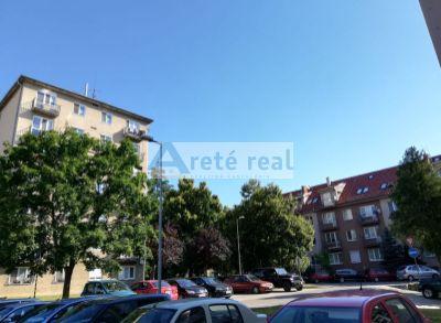 Areté real, Predaj tehlového 2-izbového bytu v CENTRE PEZINKA,BALKÓN,KOMORA,NOVÝ VÝŤAH