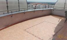 Prenájom pekného 2 izb. bytu v 20 r. stavbe s pekným výhľadom aveľkou terasou, na Matejkovej ul. v Bratislave.