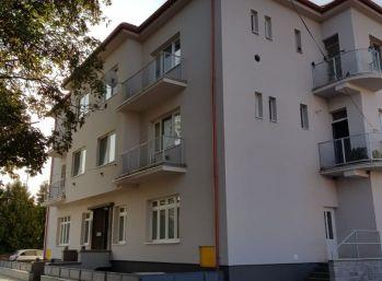 ZNIŽENÁ CENA!!! Priestranný  byt v dobrej lokalite