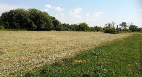 Pozemok v Ružindole je na predaj- 878m2 a 834m2