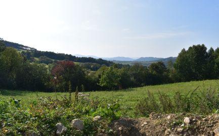 Na predaj NÁDHERNÝ stavebný pozemok v obci Krasňany