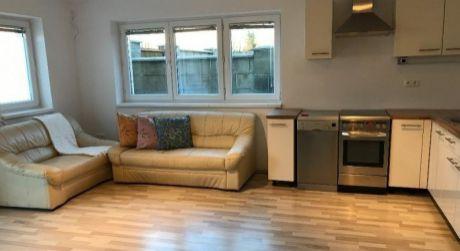 Kuchárek-real: Ponuka 2 izbového bytu v štýle rodinného domčeka pri Striebornom jazere, Senec.