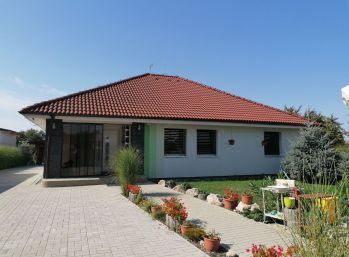 Predaj slnečného rodinného domu v obci Neded