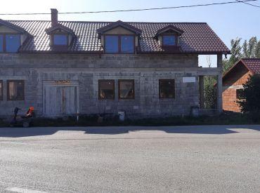 Veľký dvojpodlažný RD - holodom v obci Varín , cena: 170 000 Eur