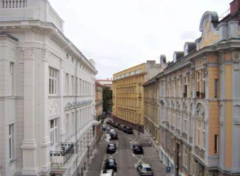 PROMINENT REAL predá nový nadštandardný 1 izb. v centre Bratislavy pri Prezidentskom paláci.