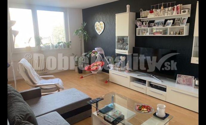 Veľký klimatizovaný 3 izbový byt s balkónom - 84 m2