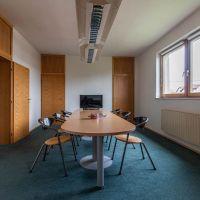 Kancelárie, Hozelec, 200 m², Kompletná rekonštrukcia