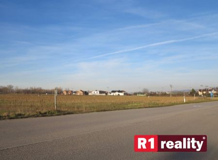 Pozemok pre Vašu firmu (315 m2) Banka pri Piešťanoch