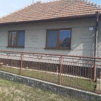 Rodinný dom, Jelenec, 1413 m², Čiastočná rekonštrukcia
