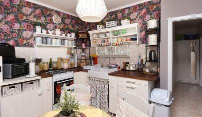 Ponúkame Vám štýlový, kompletne zariadený 3 izbový byt v Šamoríne