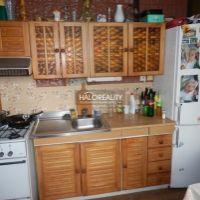 3 izbový byt, Hlohovec, 70 m², Čiastočná rekonštrukcia