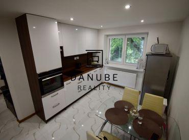 Prenájom 2-izbový nezariadený byt blízko centra Bratislavy, Ružinov, Svätoplukova ulica.