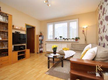 SARATOVSKÁ - 3 izbový útulný byt v centre Dúbravky