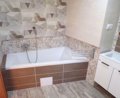 Na predaj zrekonštruovaný 2 izbový byt 66 m2 Handlová 70125