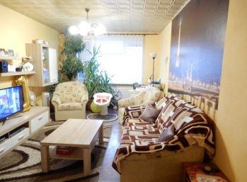 Pekný 3- izbový byt, 77 m2, balkón, rekonštrukcia, Želiezovce, Levice