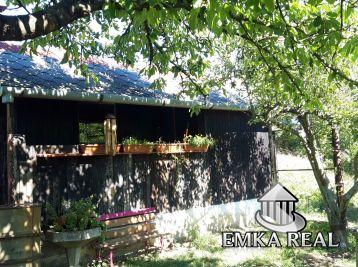 Záhrada 320 m2 s rekreačnou drevenou chatkou - Pezinok, Krížna ulica