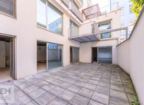 Kancelársky priestor v centre BA 135,5 m2 + záhrada s terasou 66,9 m2 novostavba Kozia